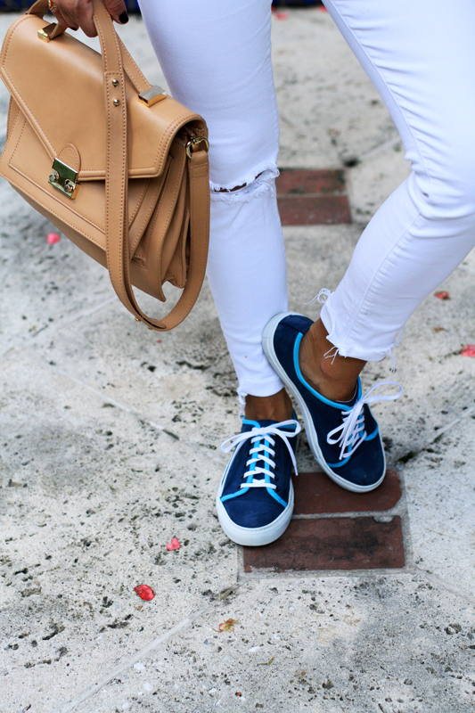 All White With Pops of Turquoise del toro