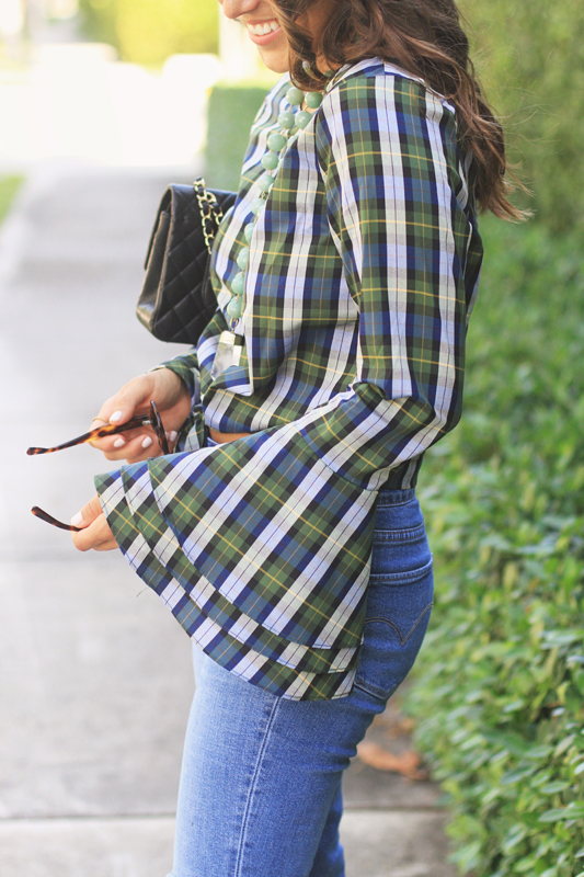Plaid Tied Top & Ripped Jeans Fashion