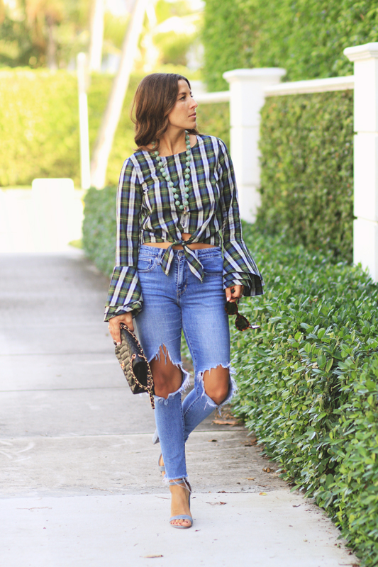 Plaid Tied Top & Ripped Jeans & Blue Shoes