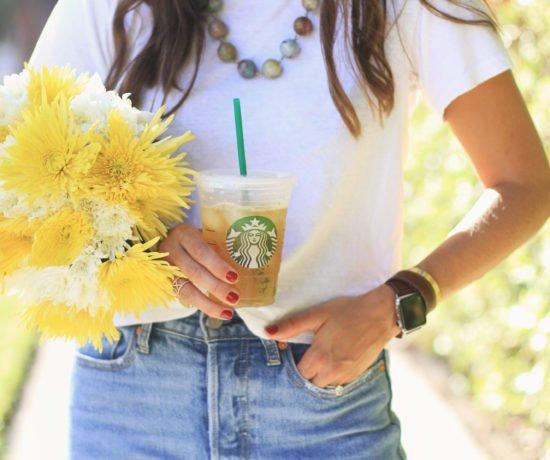Simples Jeans & Starbucks & Flowers