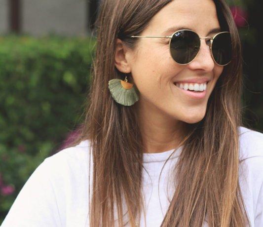 Tassel Sandals & green earrings